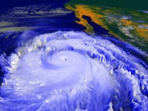 furacão-no-mar